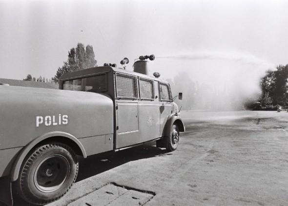 gecmisten-gunumuze-polis-araylari--polis-araba-geymiA-eski-10.jpg