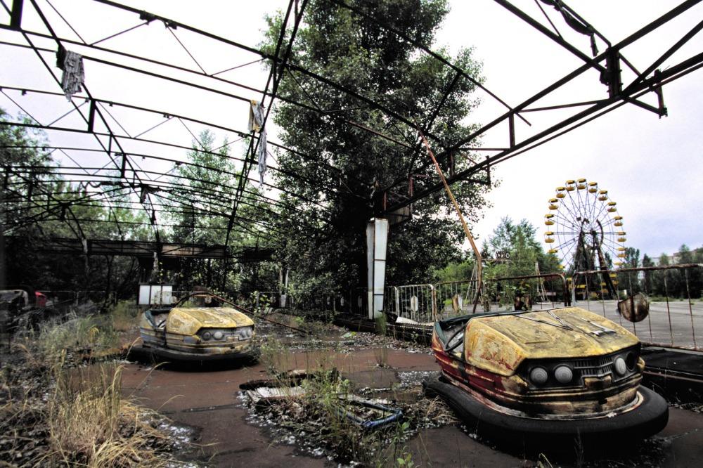 hayalet-sehir-pripiat-pripyat-carpisan-otolar