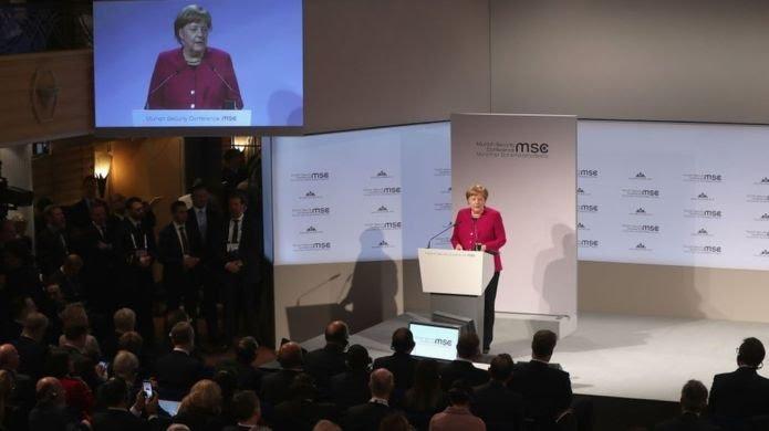 Alman Şansölyesi Angela Merkel